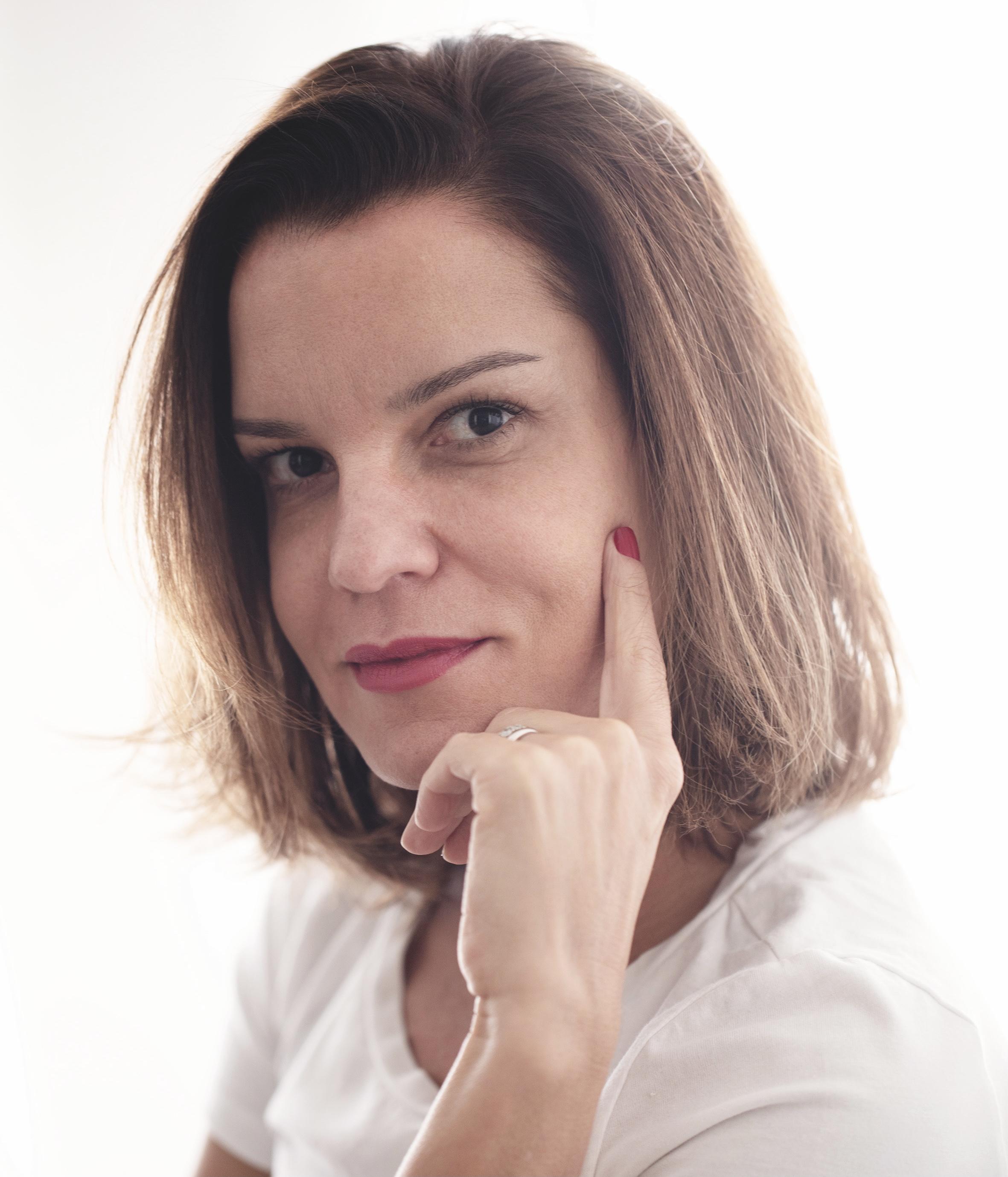 Adriana Cravo - Relações Públicas