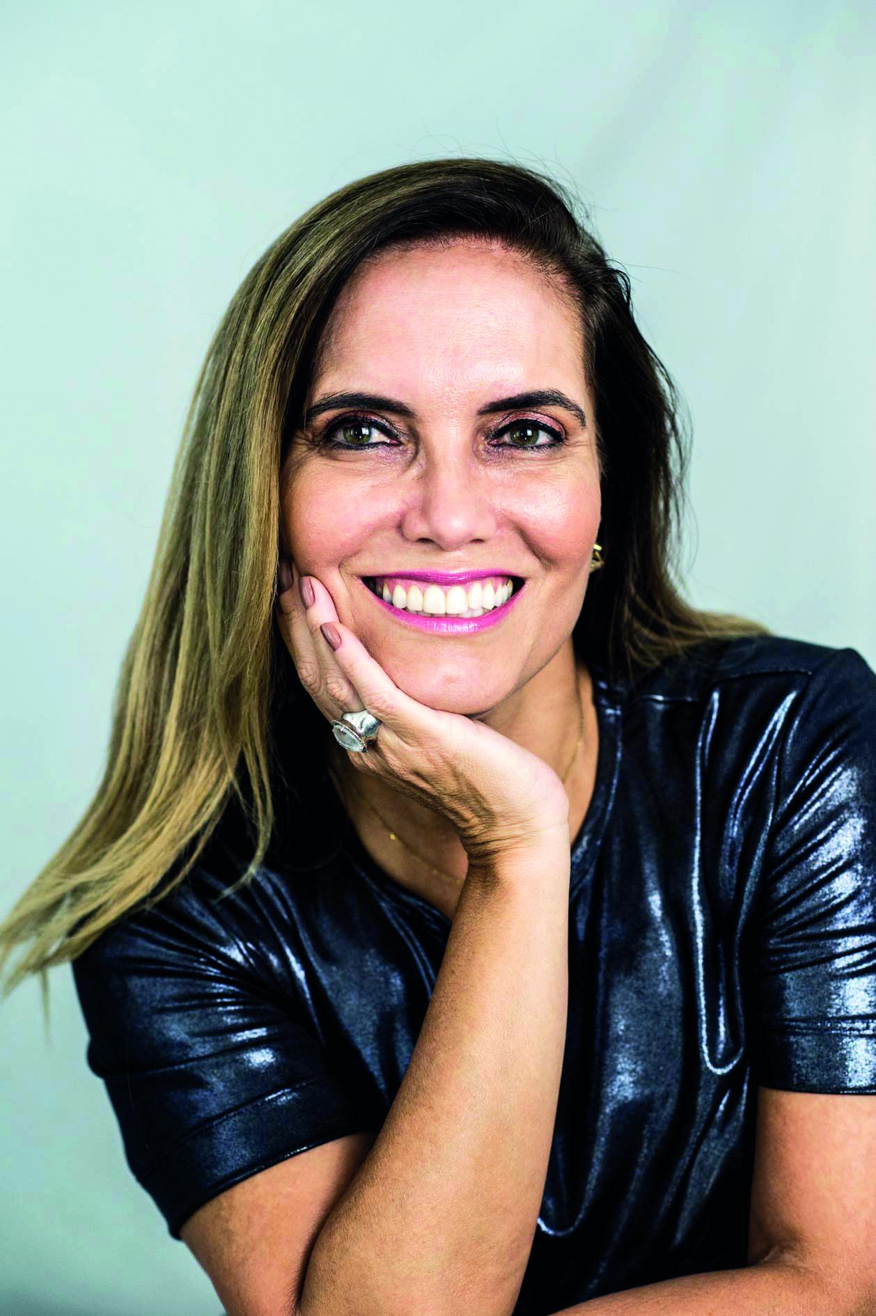 Monique Melo - Jornalista, assessora de comunicação e diretora da texto & Cia