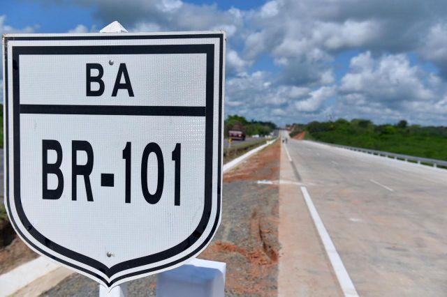 Governo Federal supera 180 km de novas pistas na Bahia, em 2021, com liberação de duplicações na BR-101