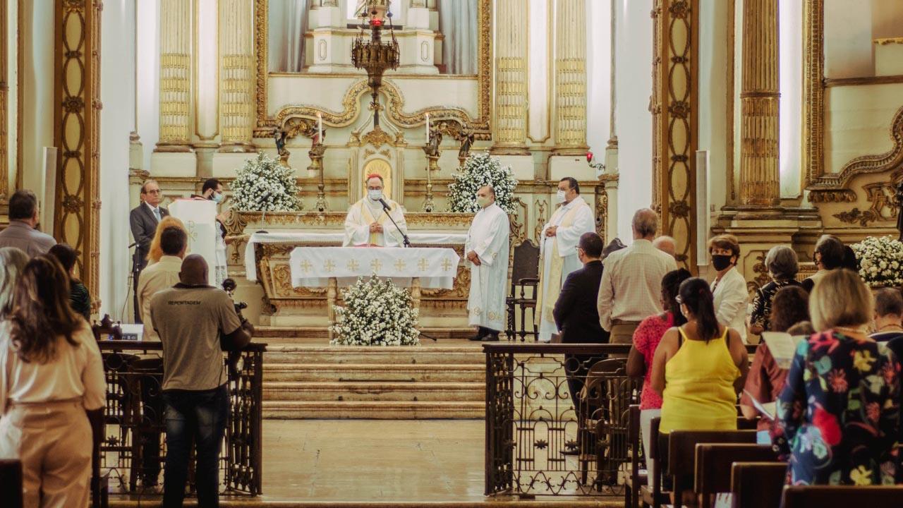 Casa Pia recebeu Missa Solene e apresentou acervo restaurado