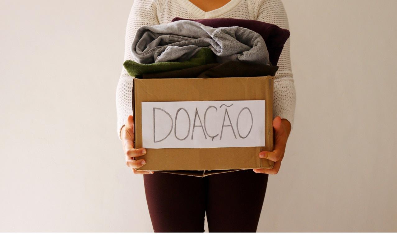 Campanha solidária da Drogaria São Paulo vai beneficiar a OSID e o Martagão Gesteira com  doações de itens de vestuário