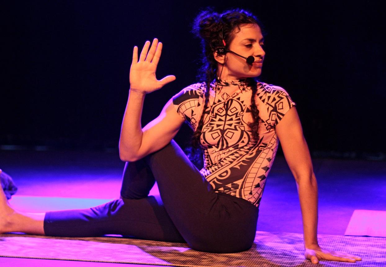 Oficinas, chorinho e arte drag na agenda da semana no Teatro Gamboa