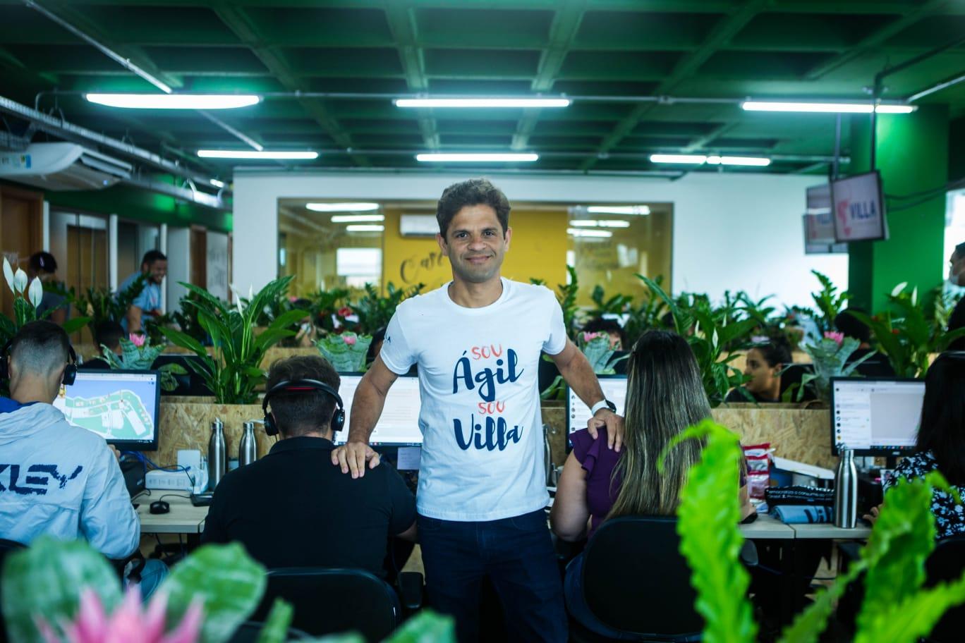 CEO da Villa do Camarão dá boas-vindas à nova identidade e loja