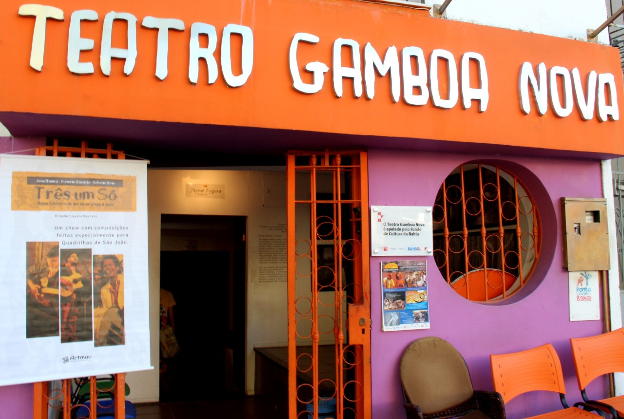 Show de MPB e lançamento de premiação marcam a agenda online do Teatro Gamboa