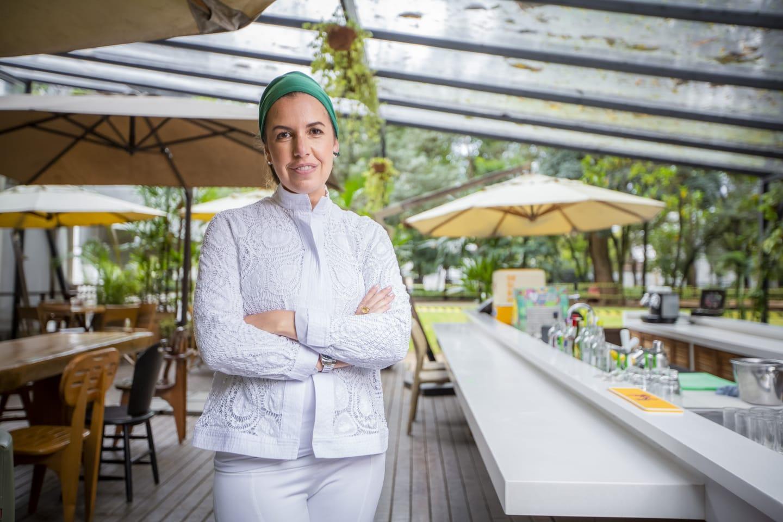 Chef Morena Leite tem receita publicada no livro As Chefes ao lado de outras chefs brasileiras
