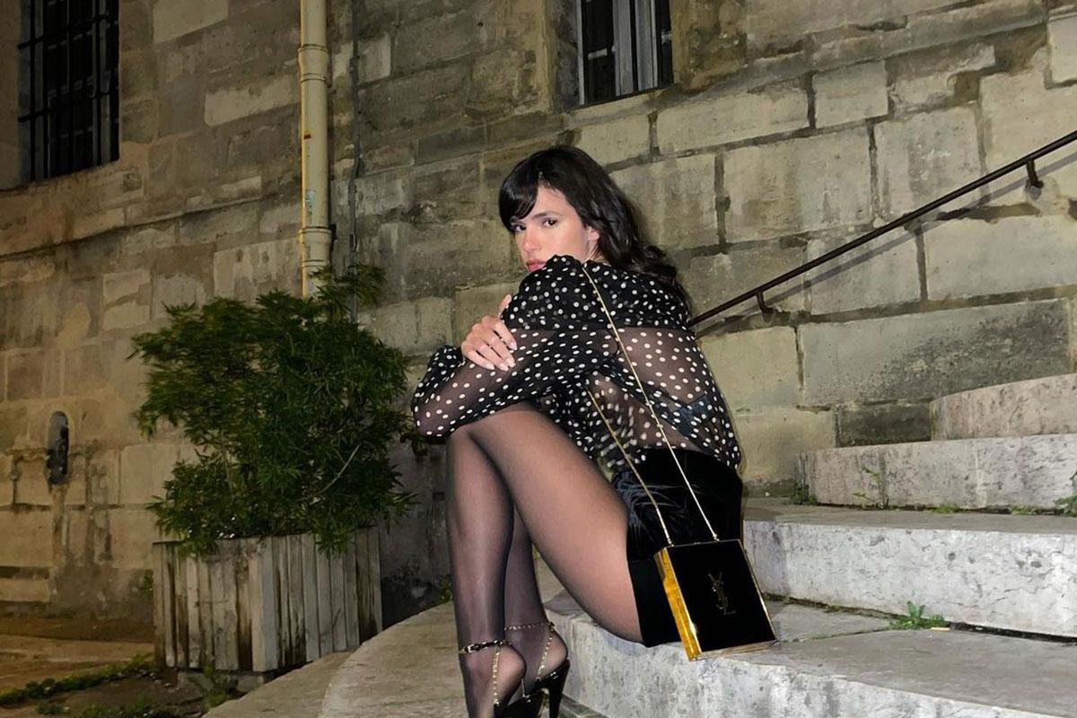 Bruna Marquezine aproveita balada em Paris