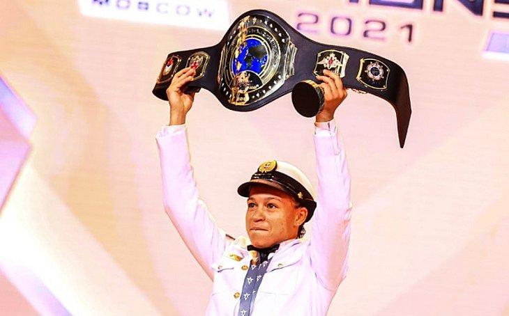 Baiana Beatriz Ferreira é campeã mundial militar de boxe