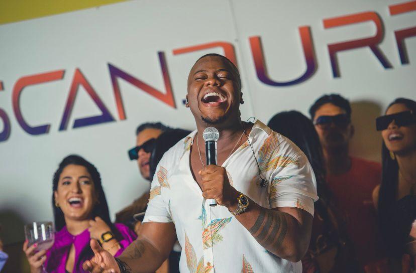 Ensaio de Verão de Escandurras no Mama África, em Morro de São Paulo, estreia neste sábado