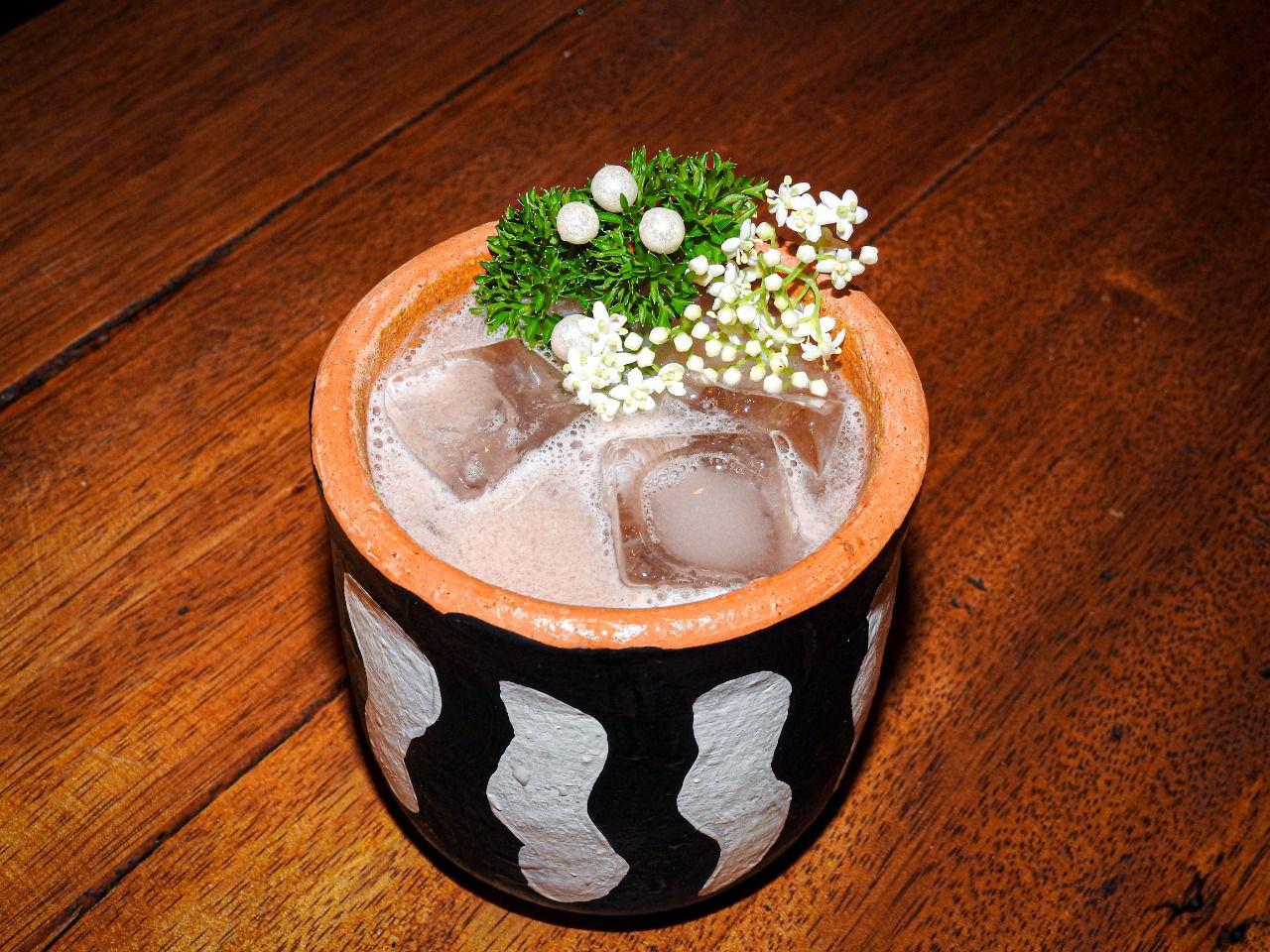 Coco Pimenta prepara drink refrescante e prato feito a seis mãos para o VIIII Festival Gastronômico Sabores de Itacaré