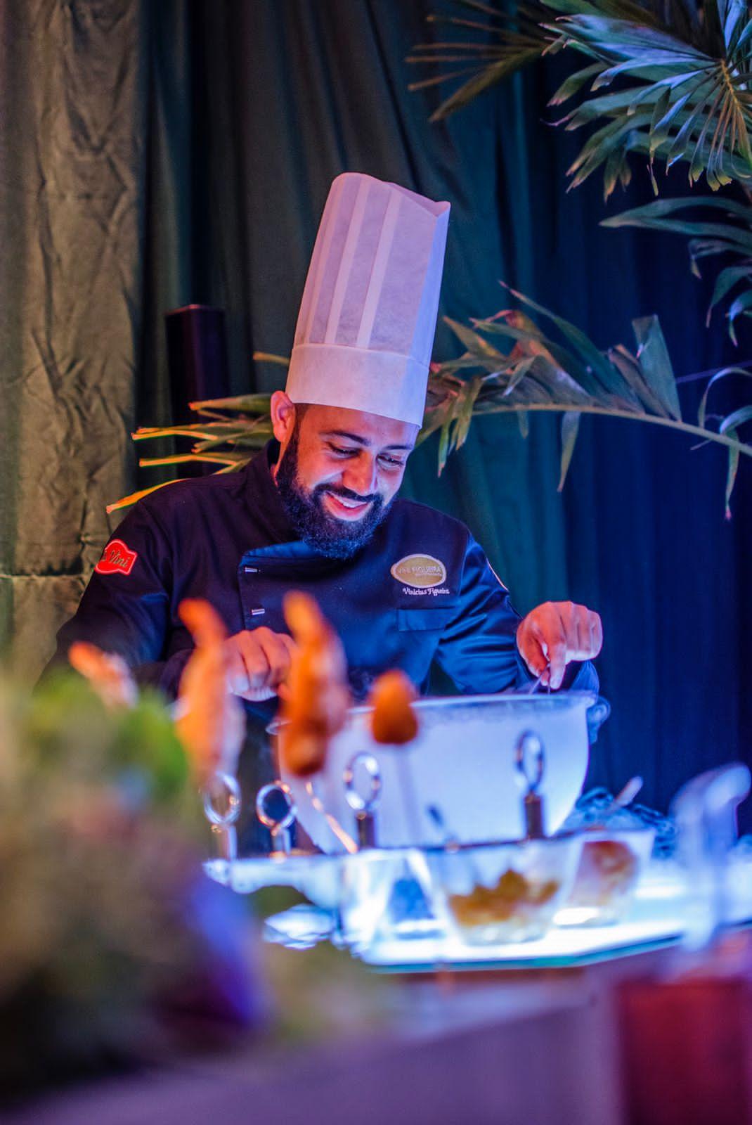 Chef Vini Figueira assume a 'Cozinha do Chef' do Hidden, no Rio Vermelho